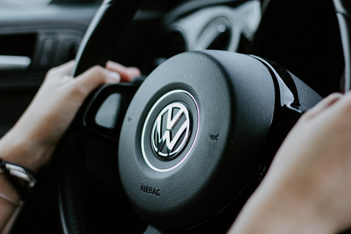 Marchio Volkswagen: solo motori elettrici entro il 2035