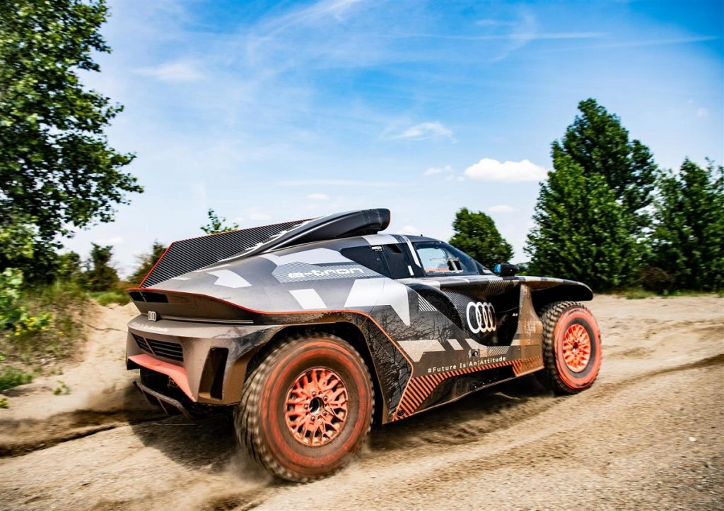 Audi RS Q e-tron test in prova