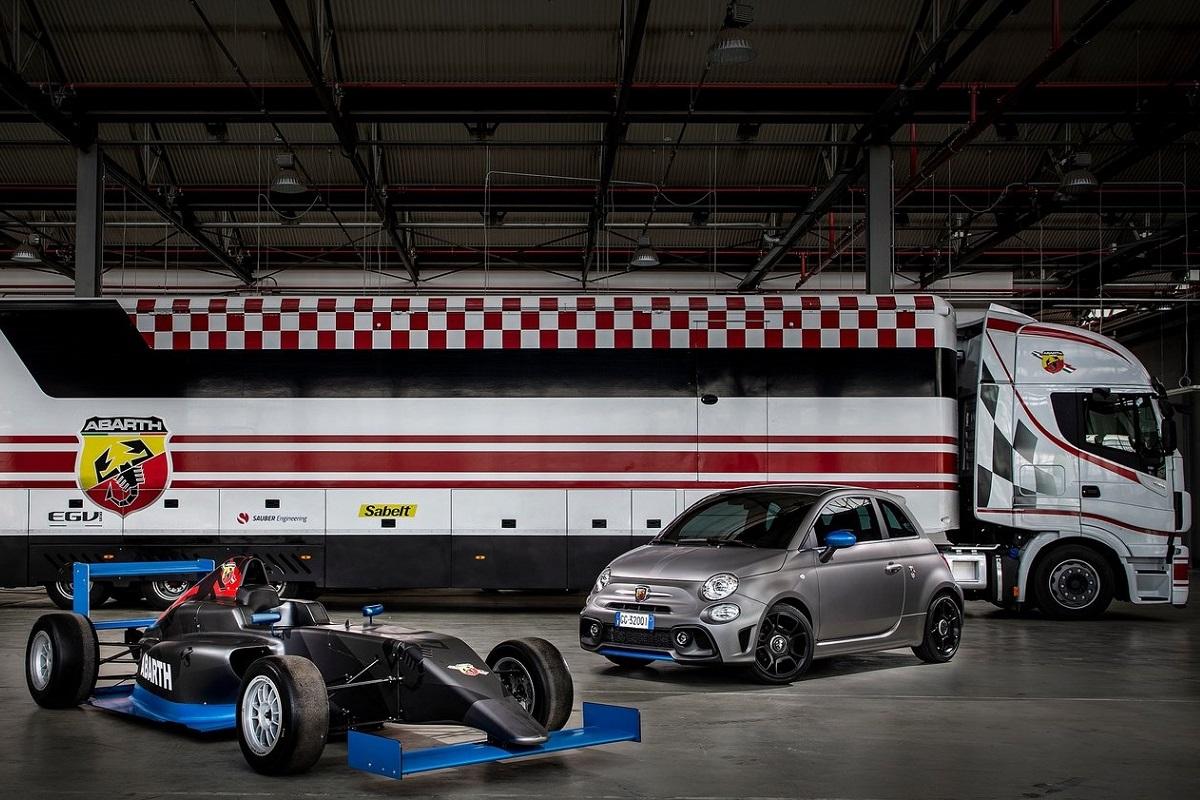 La nuova Abarth F595 celebra i 50 anni della Formula Italia ideata da Carlo Abarth