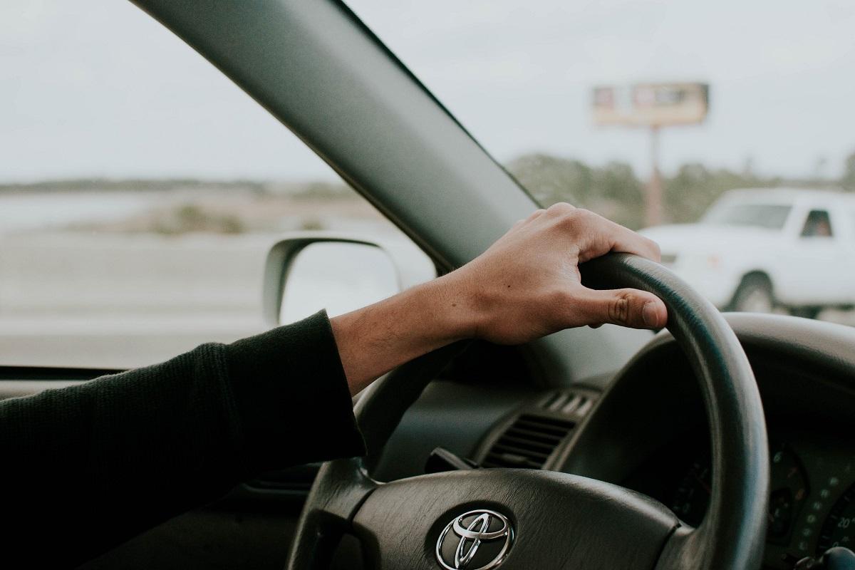 persona alla guida