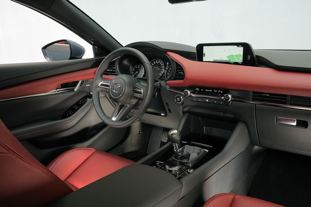 nuova Mazda 3 allestimento Exclusive + Design Pack