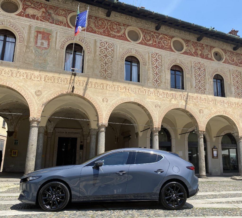 nuova Mazda 3 profilo