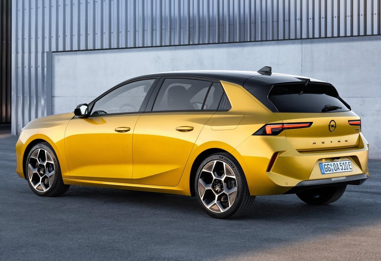 Nuova Opel Astra, estetica più moderna e prima con l'ibrido plug-in