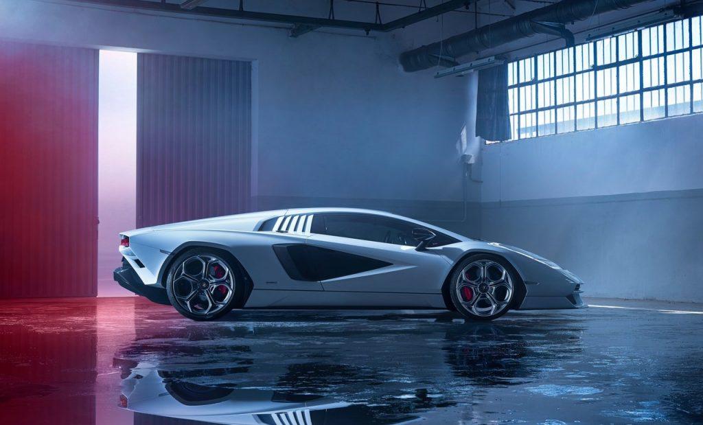 Lamborghini-Countach_LPI_800-4-dettaglio-laterale
