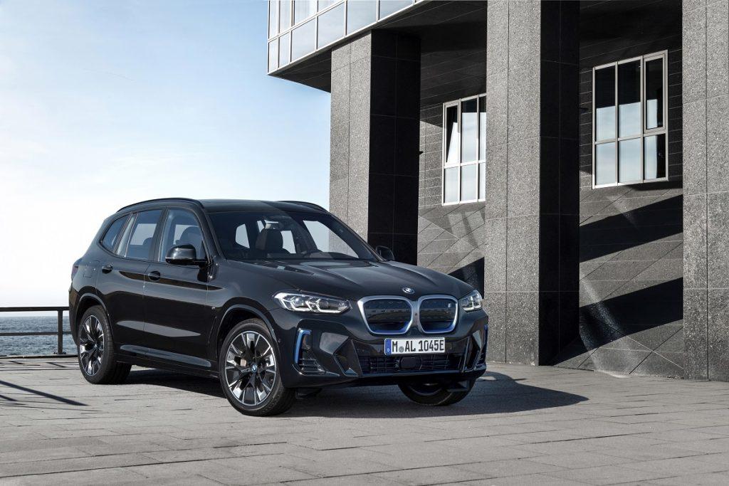 nuova BMW iX3 motore