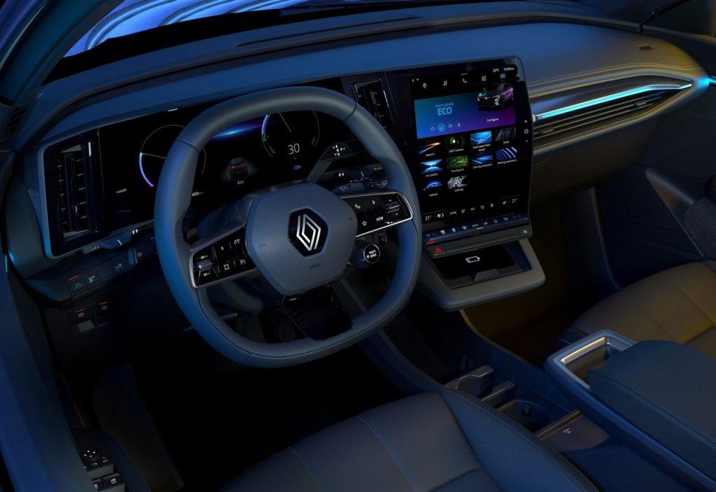 Renault-Megane-E-Tech-2022-dettaglio-interni
