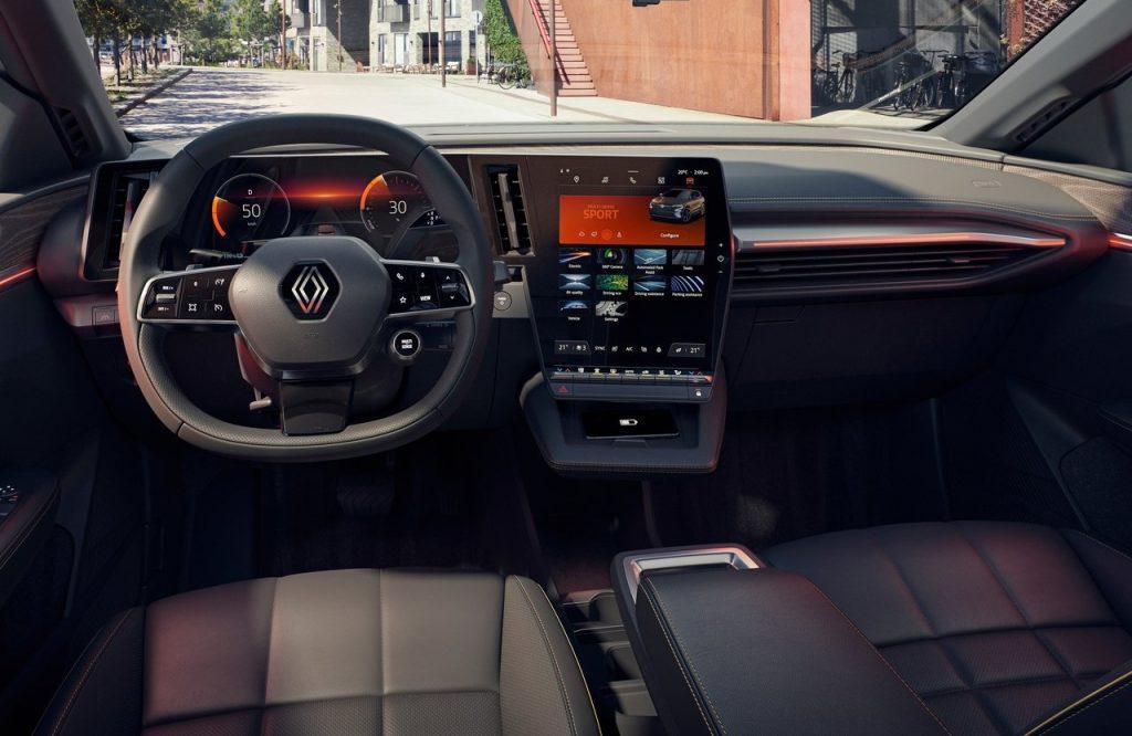 Renault-Megane-E-Tech-2022-display digitale
