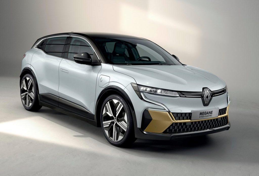Renault-Megane-E-Tech-2022-profilo-anteriore