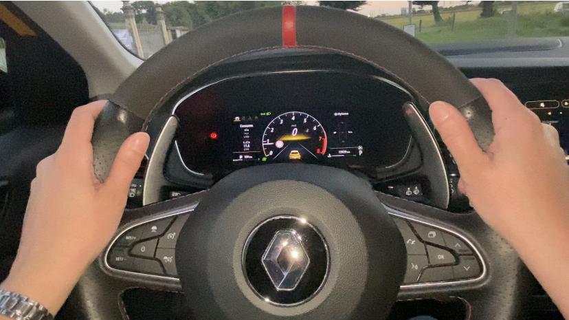 Renault Megane R.S. Trophy posizione volante