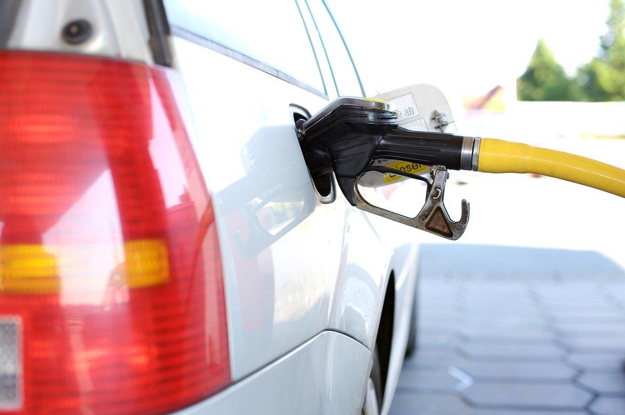 aumento prezzo carburante