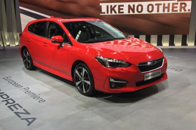 Nuova Subaru Impreza 2018: motori, interni e dimensioni. Più sicurezza per l'hatchback [FOTO]