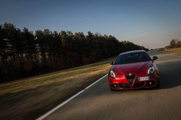 Nuova Alfa Romeo Giulietta 2016 restyling: prova su strada, prezzi e interni [FOTO e VIDEO]