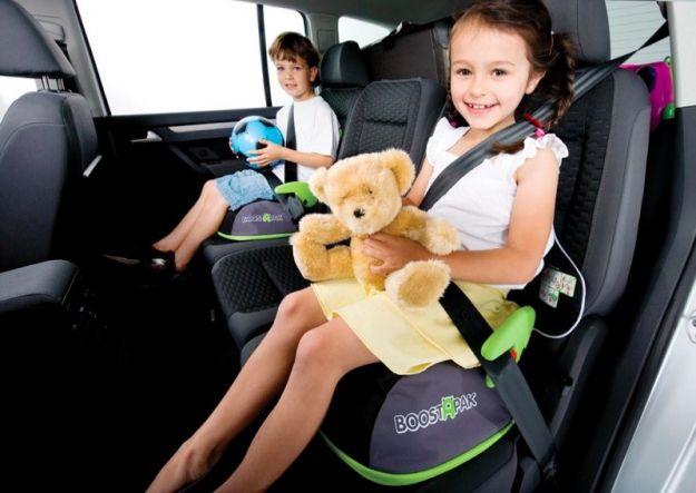 Accessori auto: quali sono utili per le vacanze con i bambini