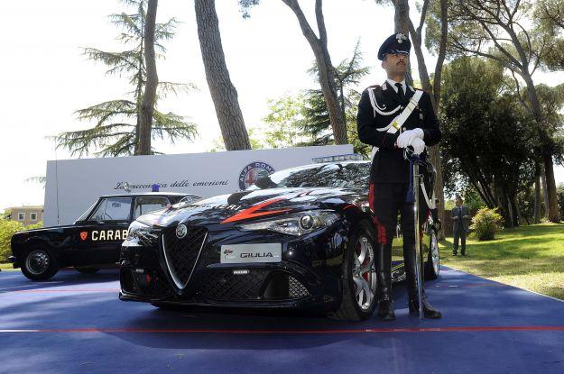 Nuove auto dei Carabinieri 2017: dalla Seat Leon alla Giulia Quadrifoglio [FOTO]
