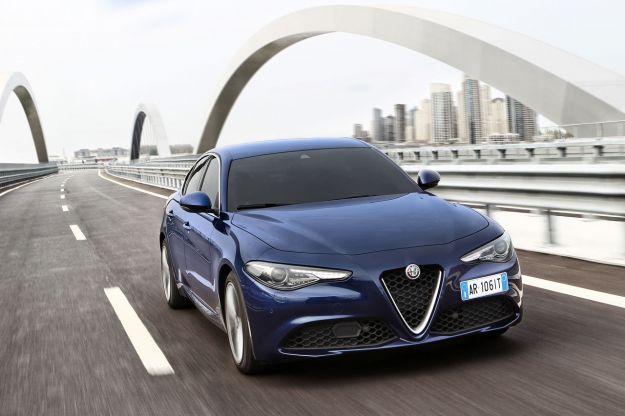 Alfa Romeo Giulia 2017: prezzo a confronto con le concorrenti dirette [FOTO]