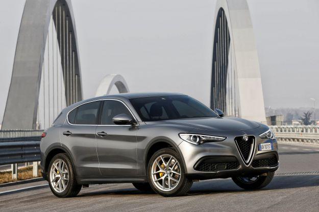 Alfa Romeo Stelvio 2017: prezzo di listino, motorizzazioni, interni e scheda tecnica [FOTO]