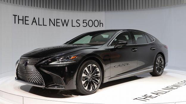 Lexus LS 500h Hybrid 2018: prezzo e caratteristiche dell'ammiraglia [FOTO]