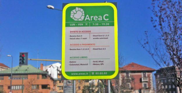 Area C Milano sospesa ad agosto