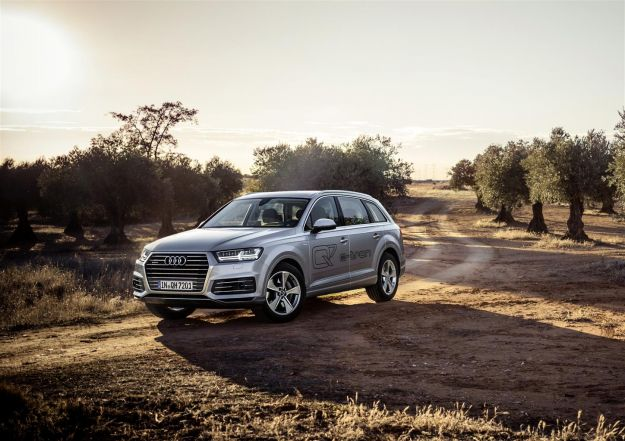 Nuova Audi Q7: prezzo, motori e scheda tecnica. Anche e-tron Tdi [FOTO]