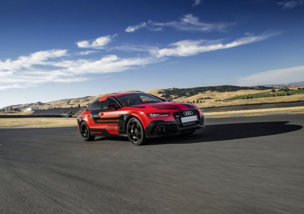 "Audi RS7 a guida autonoma, ""Robby"" gira a Sonoma"