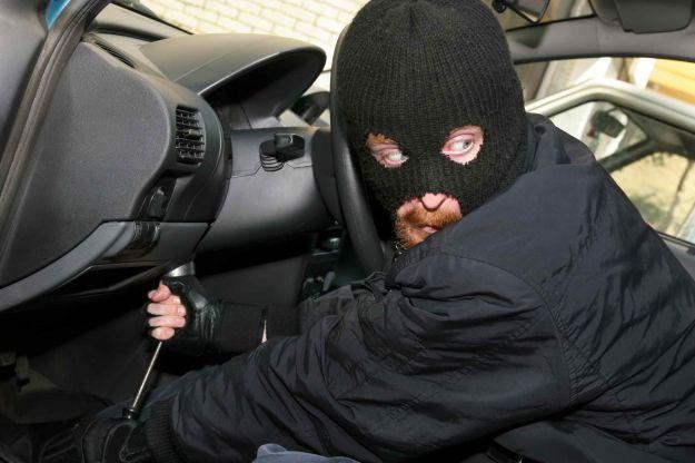 Auto rubata e ritrovata