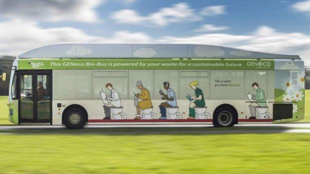 Autobus alimentato a bio gas e feci umane