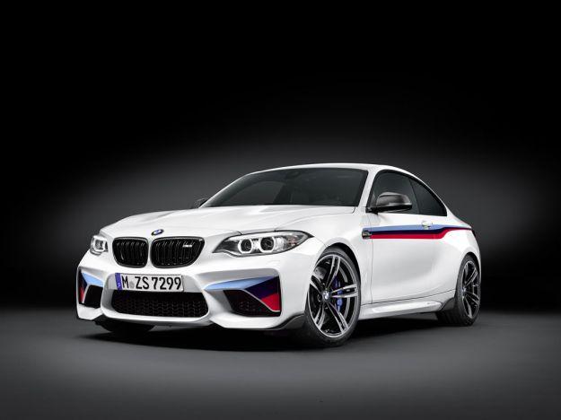 BMW M2 Coupé M Performance: versione speciale ancora più cattiva [FOTO]