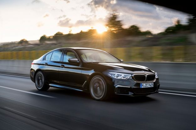 Nuova BMW M550i xDrive, prestazione e motore: aspettando la M5 [FOTO]