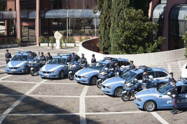 Auto della Polizia stradale: consegnate le nuove BMW 320d Touring per gli agenti