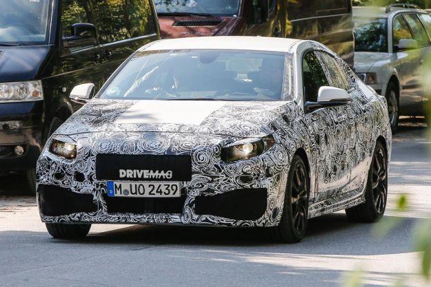 BMW Serie 2 Gran Coupé: foto spia dei test su strada [FOTO]