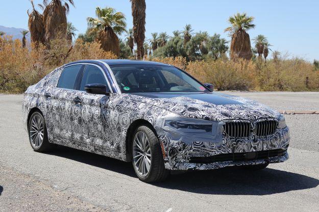 BMW Serie 5 Plug In Hybrid foto spia