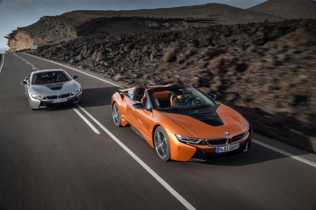 BMW i8 Roadster e Coupé 2018: scheda tecnica, autonomia e prestazioni [FOTO]