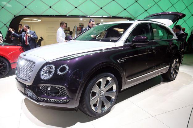 Nuovo Bentley Bentayga Mulliner 2017: prezzo, dimensioni e scheda tecnica [FOTO]