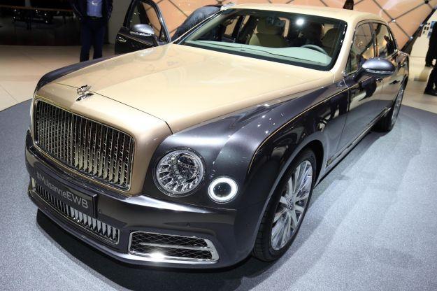 Bentley Mulsanne 2016: caratteristiche, dimensioni e motori [FOTO]