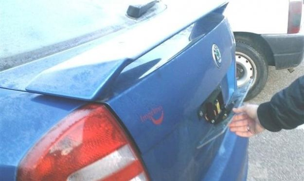 Bolzano beffava gli autovelox con l auto di 007_h_partb