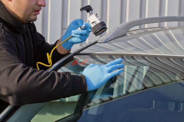 Cambiare vetro auto