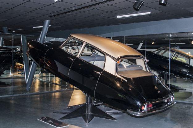 Citroen DS, squalo: la storica auto d'epoca compie 60 anni [FOTO]