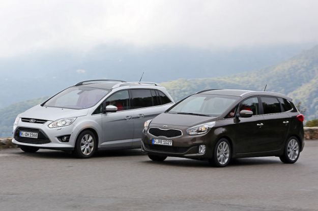 Kia Carens vs. Ford C-Max: sfida per tanto spazio ad un piccolo prezzo [FOTO]