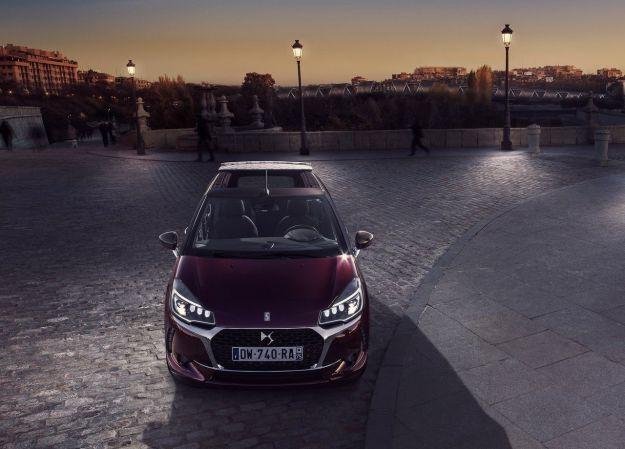 Nuova DS 3 Cabrio: prezzo, interni, scheda tecnica della Performance e motori diesel [FOTO]