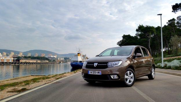 Dacia Sandero 2018: prezzi, motori, interni e prova su strada [FOTO]