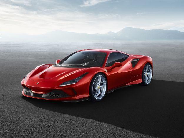 """Ferrari F8 Tributo: il V8 più potente di sempre """"pensiona"""" la 488 GTB"""