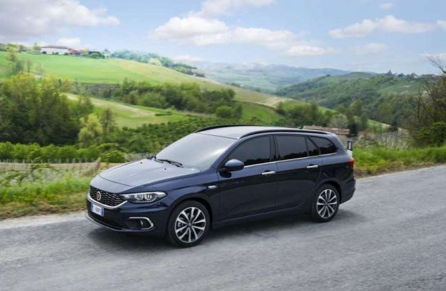 Fiat Tipo 2017 station wagon: prezzo a confronto con le concorrenti dirette [FOTO]