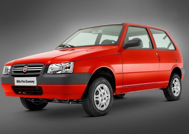 Fiat Uno rossa