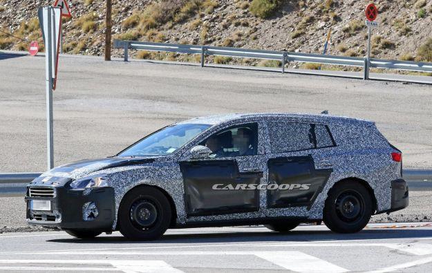 Ford Focus 2018 sw: foto spia della nuova station wagon
