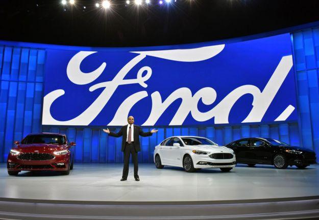 Ford Fusion al Salone di Detroit 2016: la prossima Mondeo guadagna un V6 [FOTO]
