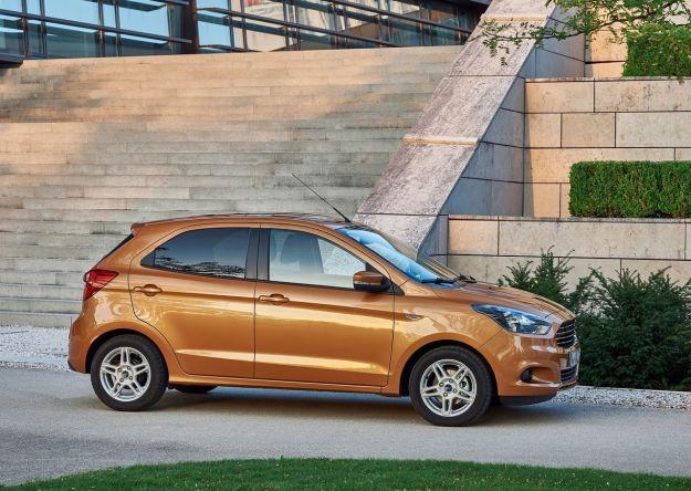 Nuova Ford Ka+ 2017: prezzi, motori e caratteristiche della 5 porte [FOTO]