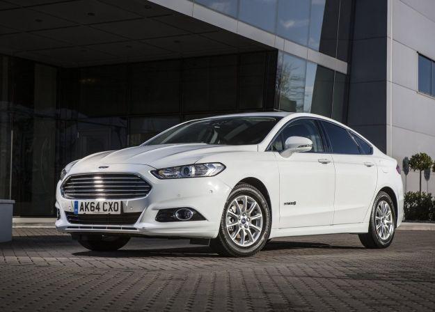 Ford Mondeo Hybrid 2017: prezzo, motore e caratteristiche della versione ibrida [FOTO]