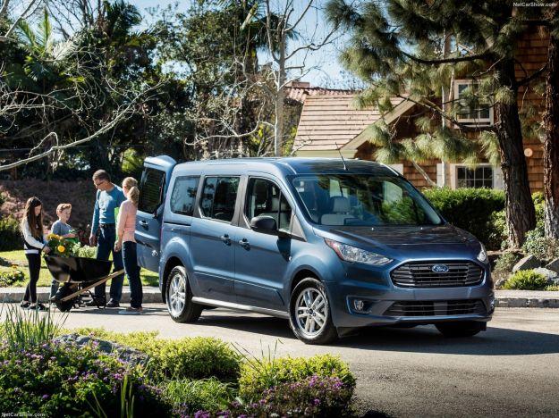 Ford Transit Connect Wagon, sarà svelato al prossimo Chicago Auto Show il nuovo Van della casa dell'ovale.