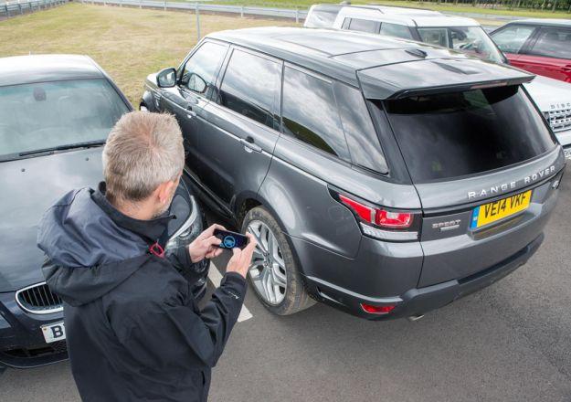 La nuova Range Rover Sport si guida dallo smartphone