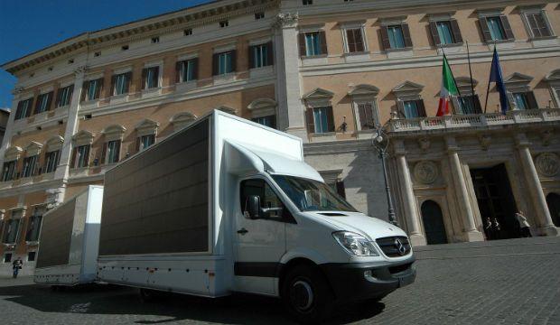 Il furgone che produce idrogeno: un passo verso il futuro [VIDEO]